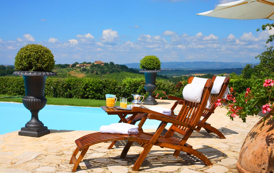 Villa in Tuscany with private pool.