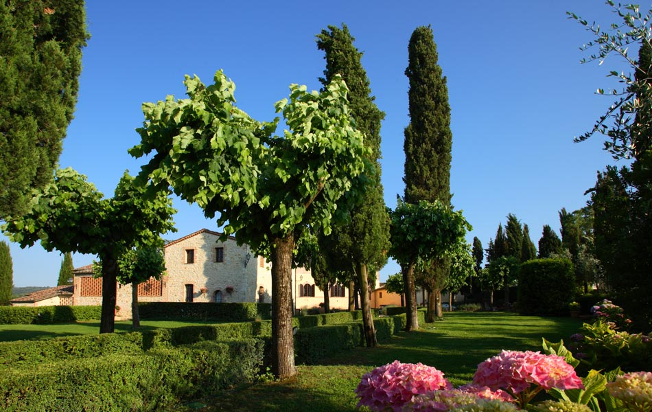 Country property in the heart of Tuscany near Siena.